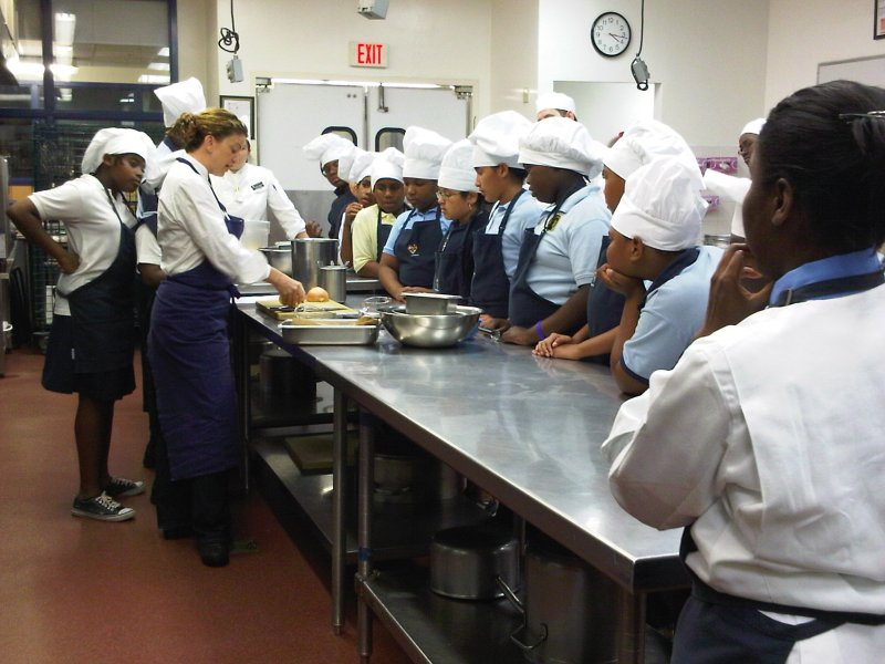 THIRD POSITION:  The stance a dead giveaway for her former dance career at Alvin Alley, Chef Michelle began by teaching her students kitchen safety, including safe and proper knife skills.  Throughout the class, each team of students had at least two trained chef supervisors making sure these lessons were carried out, and only one knife was ever used at a time in each group.